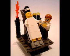 Bride Of Frankenstein Lego fun Lego Film, Lego Tv, Lego Movie, Lego Halloween, Halloween Ideas, Frankenstein's Monster, Monster Mash, Amazing Lego Creations, Horror Icons