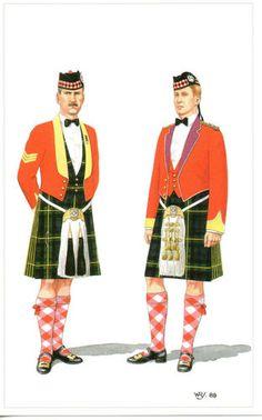 Gordon Highlanders Officer & Sergeant, post card
