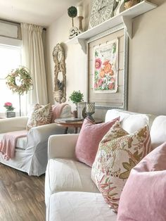 101 Impressive Spring Living Room Decor Ideas To Refresh Your Mind - Spring is the time to renew, refresh & revive your living room. After the long winter days give a nod to spring with these quick & simple idea. Living Room Decor Country, French Country Living Room, French Country Decorating, Country Chic Decor, Shabby Chic Living Room, Country Style, Casa Mimosa, Living Room Furniture, Home Furniture