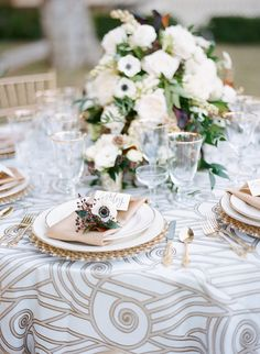 gold and white wedding reception - photo by Steven Leyva Photography http://ruffledblog.com/this-inspiration-shoot-is-dripping-with-old-hollywood-glam