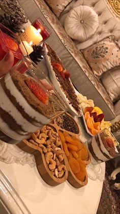 Baby Christmas Photos, Snap Food, Pub Food, Tasty, Yummy Food, Food Snapchat, Fake Food, Food Goals, Iftar