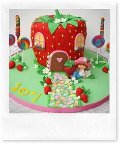 Strawberry-Shortcake-Cake-Decorations
