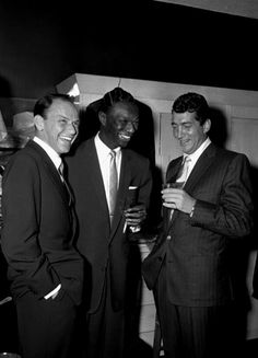 Frank Sinatra, Nat King Cole, and Dean Martin at a Friars Club party honoring Cole, October Dean Martin, Joey Bishop, Hollywood Stars, Classic Hollywood, Old Hollywood, Hollywood Icons, Soul Musik, Franck Sinatra, Nat King