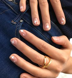 13 Pretty Minimalist Nail Ideas to Copy – Easy and Simple Nail Art Manicure Id. - 13 Pretty Minimalist Nail Ideas to Copy – Easy and Simple Nail Art Manicure Ideas The Effective P - Pretty Gel Nails, Cute Acrylic Nails, Cute Nails, Cute Simple Nails, Pretty Nail Art, Minimalist Nails, Minimalist Design, Nails Ideias, Art Visage
