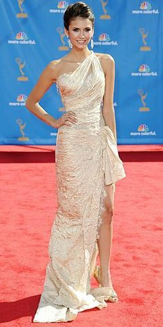 Who made Nina Dobrev's pumps, nude one shoulder dress and jewelry that she wore to the 62nd Annual Primetime Emmy Awards on August 29, 2010 in Los Angeles, California? Dress – Zuhair Murad  Jewelry – Chopard  Shoes – Manolo Blahnik
