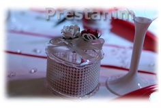 contenant-dragees-mariage-chic-rouge-blanc