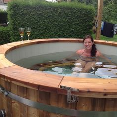 Great Tips For Landscaping Around A Hot Tub – Pool Landscape Ideas Hot Tub Deck, Hot Tub Backyard, Outdoor Baths, Outdoor Fun, Outdoor Decor, Whirlpool Deck, Small Pools, Plunge Pool, Pool Landscaping
