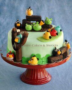Angry Birds cake - Cake by Claudia Gonzalez