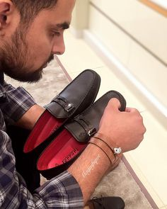 BIG DREAMS...GOOD MUSIC...EXPENSIVE TASTE... three things that make a thorough gentleman ....  . Bracelet: @magnifique_luxury . Shoes: tod's for Ferrari by @tods . Shirt: @brooksbrothers.india . .  #men #mensfashion #menwithclass #mensfashionpost #menwithstyle #mensbracelet #mensaccessories #menstyle #classy #gentleman #billionairesclub #delhi #mumbai #exclusive #mensworld #boss #style #fashion #india #luxury #luxurylife #premium #luxurylifestyle #dapper #goodlife #success #inspiration…