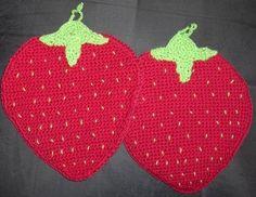 New handmade potholders: strawberries by Hildescrochetshop on Etsy