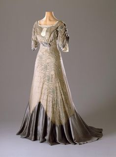 Evening dress, 1909-11 From the Hillwood Museum