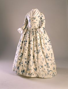 Gown looks like printed cotton possible 1775-1780 -- Historic New England