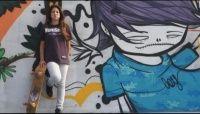 O skate feminino de Florianópolis está sendo muito bem representado por Emily Antunes. Com 12 anos de idade e 2,5 anos de skate, a local da pista da Costeira, em Floripa, é destaque nas modalidades Bowl e Mini Ramp.