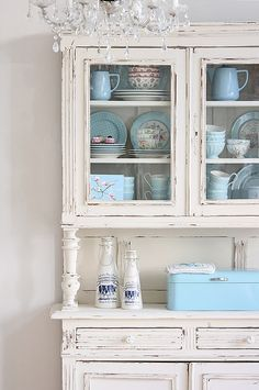 Vintage Buffets - Küchenbuffet, Küchenschrank in weiss - ein Designerstück von bleuetrose bei DaWanda