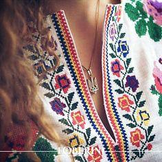318 отметок «Нравится», 9 комментариев — 💙💛FOBERINI💛💙 (@foberini) в Instagram: «Люблю українське, шаную культуру та традиції, бо я патріот !!! #vishivanki #embrodierycloth…»