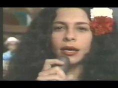 """Gal Costa canta """"Oração de Mãe Menininha"""" (Dorival Caymmi)"""