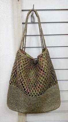 Sensational Benefiting From Beginners Crochet Ideas. Awesome Benefiting From Beginners Crochet Ideas. Crochet Market Bag, Crochet Tote, Crochet Handbags, Crochet Purses, Crochet Shell Stitch, Boho Bags, Purse Patterns, Tote Pattern, Knitting Patterns