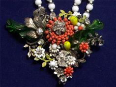 Gorgeous Vintage Miriam Haskell Milk Glass Seed Bead Floral Cluster  Necklace