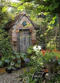 Amazing Shed Plans - HOME GARDEN: 40 inspirations pour un jardin anglais Now You Can Build ANY Shed In A Weekend Even If You've Zero Woodworking Experience! Start building amazing sheds the easier way with a collection of shed plans! Cottage Garden Sheds, Home And Garden, French Cottage Garden, Garden Kids, Garden Oasis, The Secret Garden, Hidden Garden, Secret Gardens, Potting Sheds