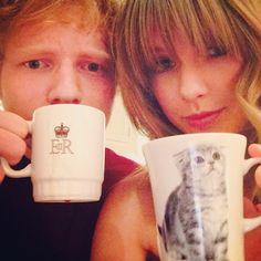 Alerte à la rumeur! Taylor Swift qui prend le thé avec Ed Sheeran? Humm... Il y a de quoi s'imaginer une prochaine chansons de rupture... (@taylorswift)