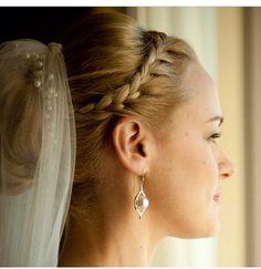 #bridalhairstyle #bridal #hair #style #bridalfashion #moda #fashion #weddingstyle #hair #hairmodel #gelinlik #saci #gelinliksaci #gelinliksacmodeli #sacmodelleri #sac #sacmodeli #dugun #damat #gelinlik #hochzeit #kuafor #berber #bruidskapsels #bruid #kapsel #trouwkapsel #trouwerij #trouwen #wedding