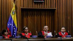 """#Noticia #PrimeraPagina en el Diario """"El Confidente"""": .-""""Maduro disolvio al Congreso de #Venezuela"""" .../// #Foto e #Imagen de #Archivo del #SupremoDeVenezuela /// La #Fuente de la información #AgenciaDeNoticisEFE de España ..."""