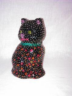Dunkle sitzende Katze von 123KrimsKrams Kreativ auf DaWanda.com