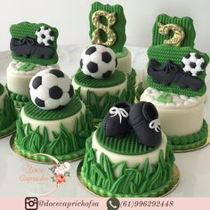 Different Wedding Cakes, Small Wedding Cakes, Wedding Cakes With Cupcakes, Fun Cupcakes, Cupcake Cakes, Chocolate Covered Oreos, Chocolate Treats, Mini Tortillas, Sports Themed Cakes