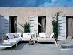 Summer is coming! ‪#‎OutdoorLiving‬ ‪#‎alfresco‬ ‪#‎contemporary‬ ‪#‎design‬ ‪#‎outdoorfurniture‬ ‪#‎Roda‬ ‪#‎modularSofa‬ ‪#‎elegant‬ ‪#‎formalsimplicity‬ Modular sofa and coffee table from Basket collection, designed by Gordon Guillaumier for RODA. Shop them at Moda Bagno.