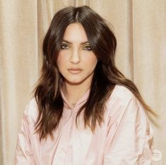 Julia Michaels, Hair Dos, Style Icons, Celebrity, Singer, Goals, Long Hair Styles, Beauty, Up Dos