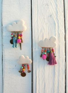 Air dry clay clouds with beads. Air dry clay clouds with beads. The post Air dry clay clouds with beads. appeared first on Clay ideas. Fimo Clay, Polymer Clay Crafts, Ceramic Clay, Polymer Clay Jewelry, Clay Crafts For Kids, Diy And Crafts, Arts And Crafts, Air Dry Clay Crafts, Simple Crafts