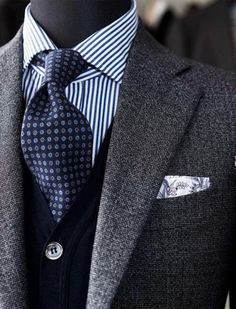 Wedding Suits men suits blue -- Click Visit link to read Modern Gentleman, Gentleman Style, Sharp Dressed Man, Well Dressed Men, Mode Costume, Style Masculin, Herren Outfit, Mens Fashion Suits, Mens Suits Style