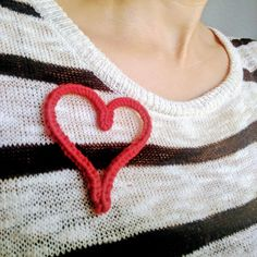 Smart, well-written knitting and crochet patterns for beautiful garments. We also offer yarn, unique tools and accessories for women who make their own style. Valentine Heart, Valentines, Spool Knitting, Lucet, Knit Crochet, Crochet Patterns, Weaving, Jewelry Making, Loom