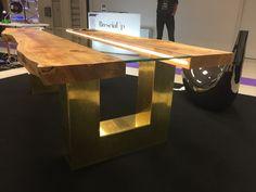 Meta_Nouveau by FedraVillaDesign Top in legno massello vetro e Led Base in Ottone grezzo Il tavolo che si illumina ...