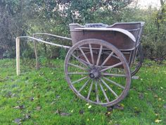 Governess cart #decorative #display #history #antiques #props #tradewarehouse #Essex