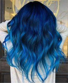 Brilliant Blue Ombre Hair Color Ideas Youll Love Try Brilliant Blue Ombre Haarfarbe Ideen Yo Peach Hair Colors, Vivid Hair Color, Cute Hair Colors, Pretty Hair Color, Hair Color Purple, Hair Dye Colors, Bright Blue Hair, Dark Blue Hair, Dyed Hair Blue