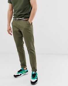 Order Pull&Bear slim fit chino in khaki online today at ASOS for fast delivery, multiple payment options and hassle-free returns (Ts&Cs apply). Get the latest trends with ASOS. Skinny Chinos, Slim Fit Chinos, Slim Pants, Khaki Pants, Men's Chinos, Mens Sweatpants, Pull & Bear, Best Cargo Pants, Winter Fashion