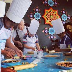Chefcitos en acción! #foodforkids #instafood #food #cook #cooking #chefcito#instagood #kids #fun