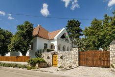 Pula, Traditional, Mansions, House Styles, Cabins, Home Decor, Homes, Decoration Home, Houses