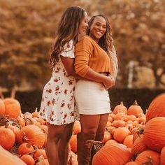 shared a new photo on Etsy Pumpkin Patch Pictures, Apple Picking Outfit, Fall Outfits, Cute Outfits, Pumpkin Patch Outfit, Cute Friend Pictures, Pumpkin Colors, Autumn Photography, Photography Ideas