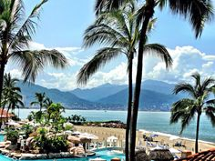 Staying at the CasaMagna Marriott Puerto Vallarta Resort & Spa in Mexico | Becky Boricua