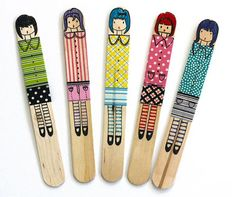 50 DIY Ideas for Washi Tape This would make a cute bookmark :3 Plus the younger girls can do it too.