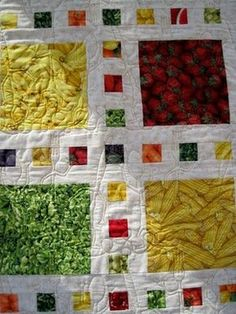 """40 4/"""" APPLES Fabric Quilt Squares Quilting Apple Fruit Cotton Novelty Material"""