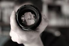 Hace unos días te presentaba 9 consejos para lograr un mejor enfoque en tus fotos. Lo recuerdas, ¿verdad? Aunque no venía directamente reflejado, el primer consejo, en realidad el consejo 0, era conocer los modos de enfoque que ofrecía tu cámara y ut