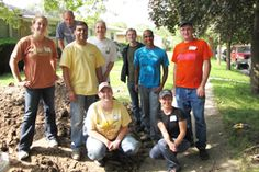 One Brick provides support to local non-profit and community organizations by creating a unique, social and flexible volunteer environment for those interested in making a concrete difference in the community. We enable people to get involved, have an impact and have fun, without the requirements of individual long-term commitments.