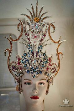 Fantasy Costumes, Dance Costumes, Carnival Headdress, Maquillage Halloween, Fantasy Dress, Carnival Costumes, Tiaras And Crowns, Costume Makeup, Bandeau