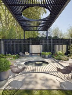 Outdoor pond, seating + architectural detailing......(re-pinned photo - Scott…