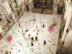 Hanging garden installation by Swiss artists Gerda Steiner and Jörg Lenzlinger, created in 2003 for the Venice Biennial. Grand Canal, Collage Kunst, Design Observer, Beautiful Dream, Dream Big, Autumn Garden, Interior Design Inspiration, Daily Inspiration, Installation Art