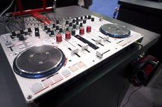 NAMM 2013: Vestax VCI-400 Serato DJ edition