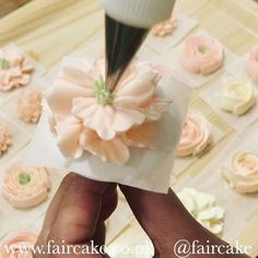 Buttercream flowers class in full swing - here's a new mini tutorial. This is Swiss Meringue Buttercream, the nozzle is #wilton 104 #faircake #cakeschool #buttercreamflowers #buttercreamflowersclass #greenwich #london
